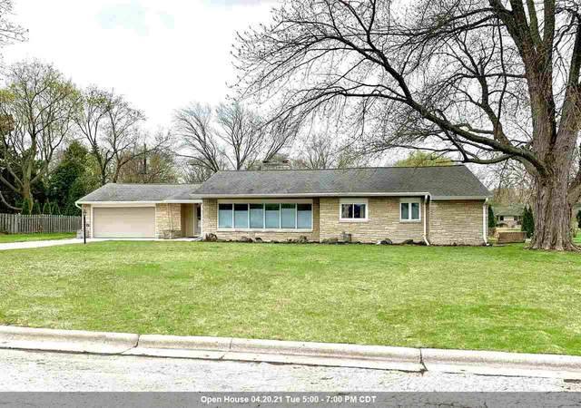 315 Arrowhead Drive, Green Bay, WI 54301 (#50238386) :: Ben Bartolazzi Real Estate Inc