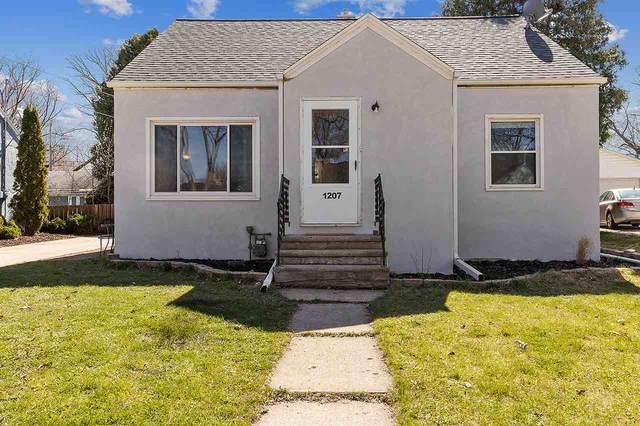 1207 14TH Avenue, Green Bay, WI 54304 (#50238458) :: Ben Bartolazzi Real Estate Inc