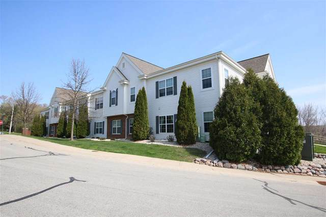 2135 Rainbow Lake Lane #111, West Bend, WI 53090 (#50238724) :: Town & Country Real Estate