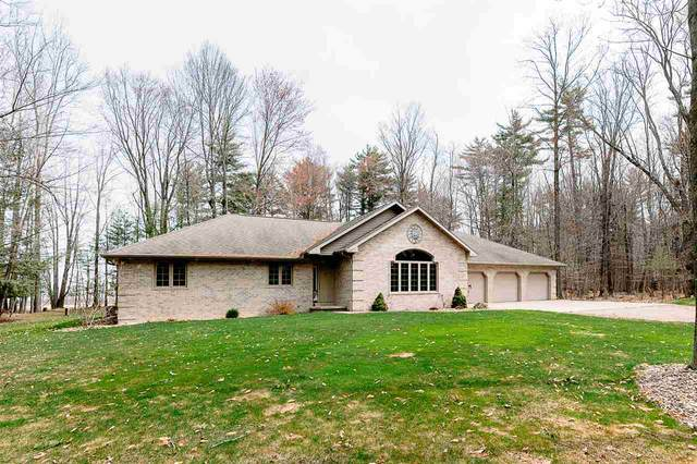 1740 Herford Road, Little Suamico, WI 54141 (#50239051) :: Ben Bartolazzi Real Estate Inc