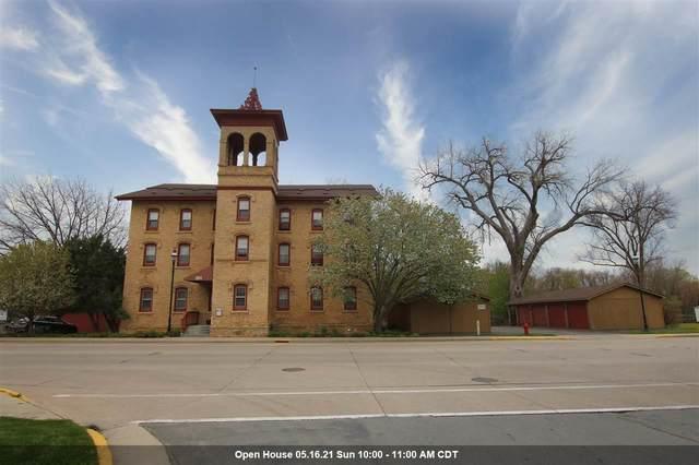 251 E Main Street #202, Omro, WI 54963 (#50239321) :: Ben Bartolazzi Real Estate Inc