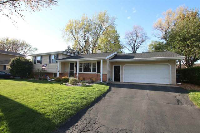 2320 Joan Court, Kaukauna, WI 54130 (#50239347) :: Carolyn Stark Real Estate Team