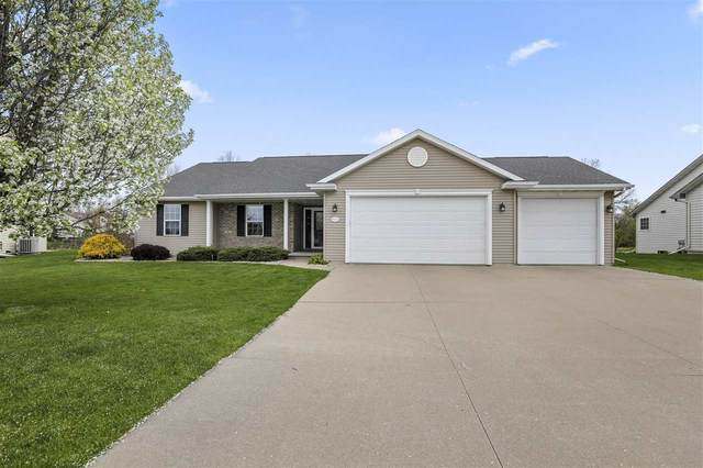 W7224 Fox Hollow Lane, Greenville, WI 54942 (#50239538) :: Todd Wiese Homeselling System, Inc.