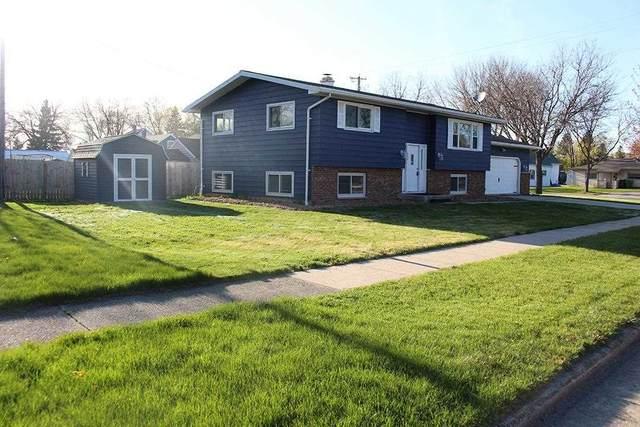 236 Laurel Lane, Fond Du Lac, WI 54935 (#50239626) :: Town & Country Real Estate