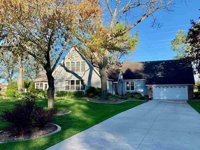 140 Woodside Court, Neenah, WI 54986 (#50239852) :: Carolyn Stark Real Estate Team