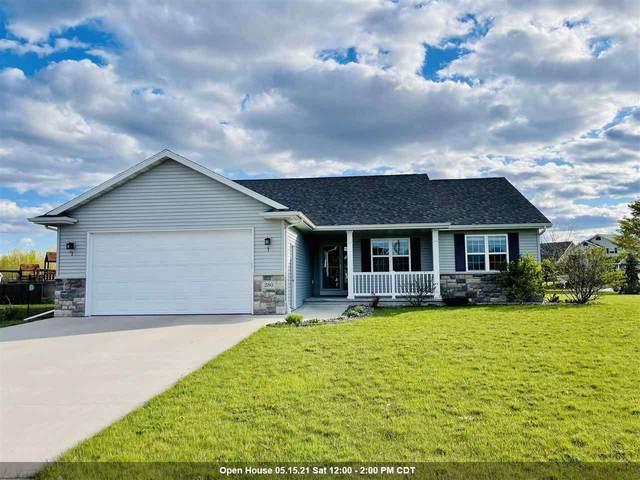 280 Fort Drive, Neenah, WI 54956 (#50239971) :: Carolyn Stark Real Estate Team
