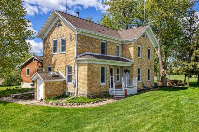 W9555 School Road, Hortonville, WI 54944 (#50240034) :: Carolyn Stark Real Estate Team