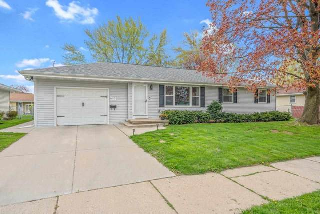 1613 S Oneida Street, Green Bay, WI 54304 (#50240037) :: Todd Wiese Homeselling System, Inc.