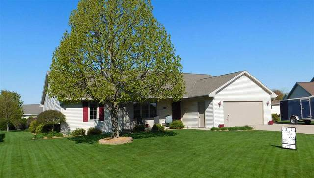 2590 Van View Street, Green Bay, WI 54311 (#50240067) :: Dallaire Realty
