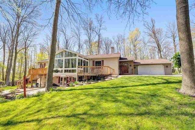 9823 Slope Lane, KELLNERSVILLE, WI 54215 (#50240249) :: Todd Wiese Homeselling System, Inc.