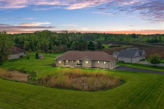 5809 Creek Crest Lane, Little Suamico, WI 54141 (#50240530) :: Carolyn Stark Real Estate Team