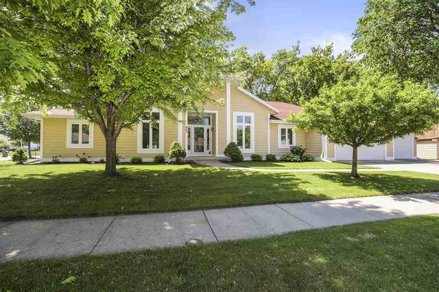 463 Hawthorne Street, Neenah, WI 54956 (#50240915) :: Carolyn Stark Real Estate Team
