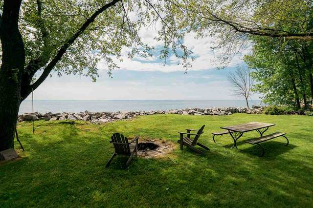 2682 Kunzer Beach Lane, Little Suamico, WI 54141 (#50241570) :: Symes Realty, LLC