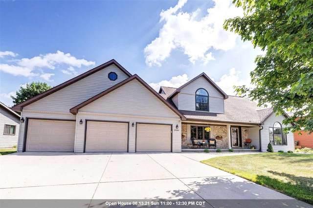 2986 Blue Moon Drive, Green Bay, WI 54311 (#50241878) :: Carolyn Stark Real Estate Team