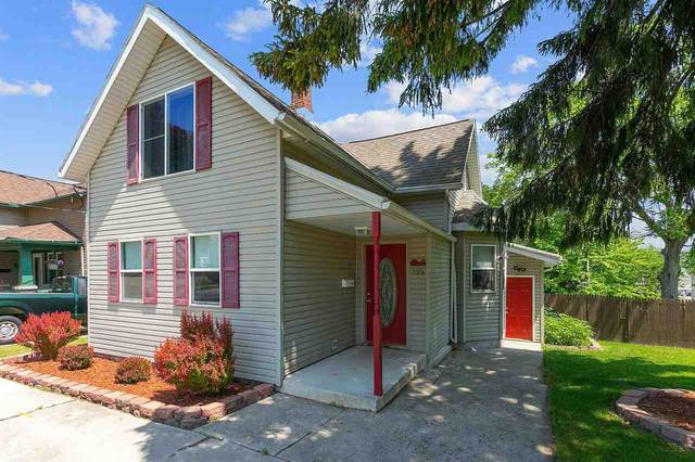 723 S 22ND Street, Manitowoc, WI 54220 (#50241896) :: Todd Wiese Homeselling System, Inc.