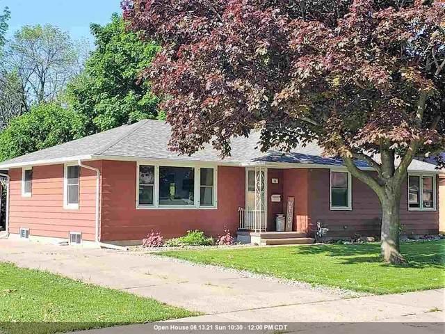 147 W 25TH Avenue, Oshkosh, WI 54902 (#50242015) :: Carolyn Stark Real Estate Team