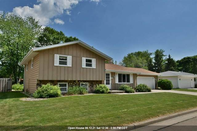 1137 Woodland Drive, Menasha, WI 54952 (#50242042) :: Carolyn Stark Real Estate Team