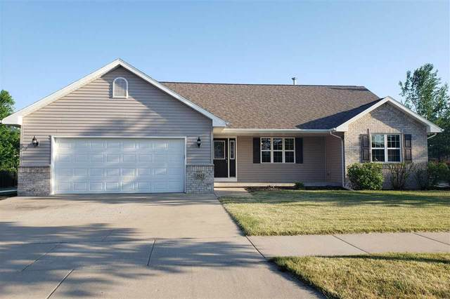 3921 E Appleview Drive, Appleton, WI 54913 (#50242051) :: Symes Realty, LLC