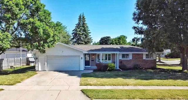 906 W Parkway Boulevard, Appleton, WI 54914 (#50242263) :: Todd Wiese Homeselling System, Inc.
