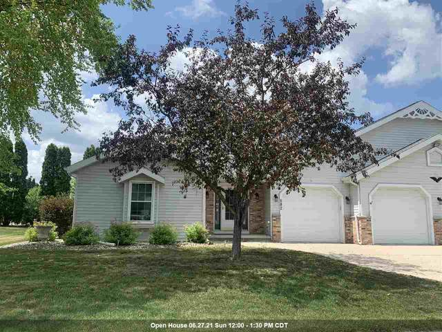 582 S National Street, Fond Du Lac, WI 54935 (#50242384) :: Todd Wiese Homeselling System, Inc.