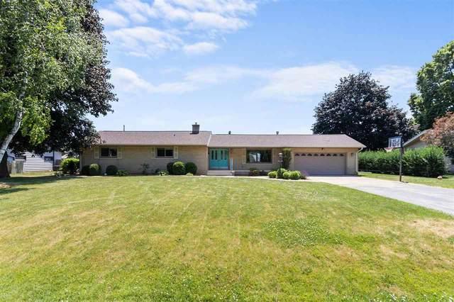 511 W Seneca Drive, Appleton, WI 54911 (#50242494) :: Todd Wiese Homeselling System, Inc.