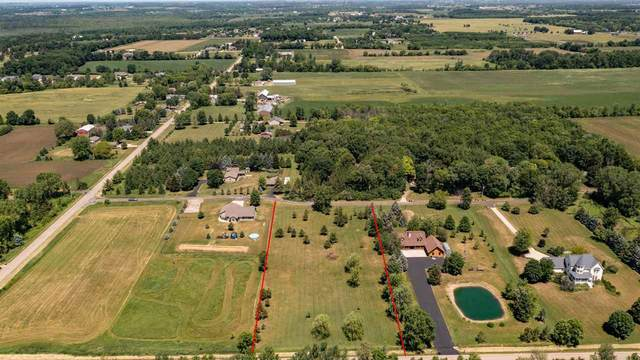 W Shady Lane, Neenah, WI 54956 (#50242513) :: Todd Wiese Homeselling System, Inc.