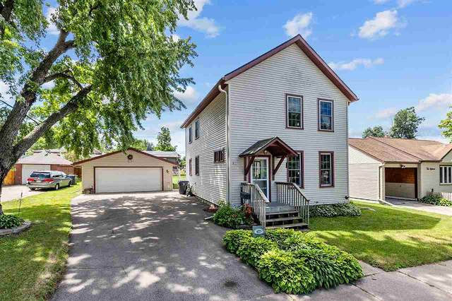 414 W Cook Street, New London, WI 54961 (#50242738) :: Todd Wiese Homeselling System, Inc.