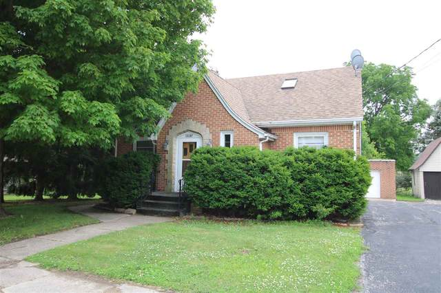 W3287 Hwy Y, Lomira, WI 53048 (#50243138) :: Todd Wiese Homeselling System, Inc.