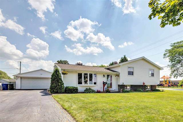 1137 Westwood Drive, De Pere, WI 54115 (#50243502) :: Todd Wiese Homeselling System, Inc.