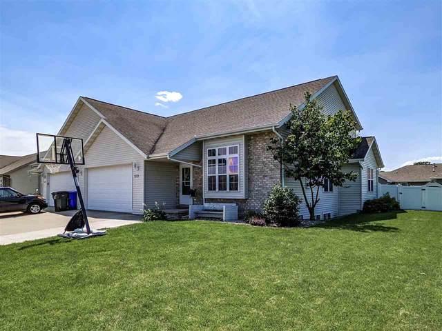 1213 Saunders Road, Kaukauna, WI 54130 (#50244301) :: Todd Wiese Homeselling System, Inc.