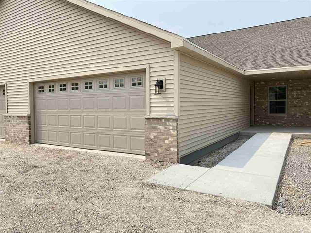 2144 Royal Crest Circle #2, Green Bay, WI 54311 (#50244678) :: Todd Wiese Homeselling System, Inc.
