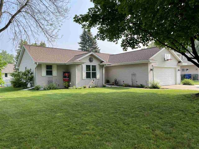 998 St Anthony Drive, De Pere, WI 54115 (#50244700) :: Todd Wiese Homeselling System, Inc.