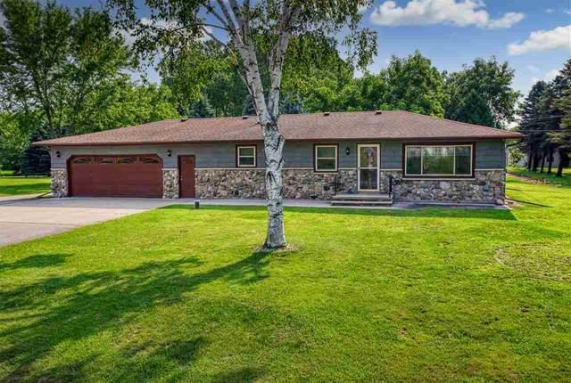 5524 N Ballard Road, Appleton, WI 54913 (#50244890) :: Carolyn Stark Real Estate Team