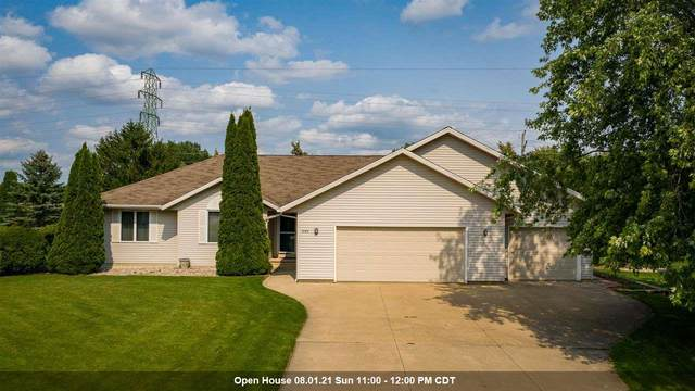 2183 E Prairie Creek Drive, Neenah, WI 54956 (#50244915) :: Carolyn Stark Real Estate Team