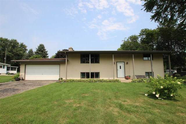 N7389 Edgewater Drive, Beaver Dam, WI 53916 (#50245606) :: Town & Country Real Estate