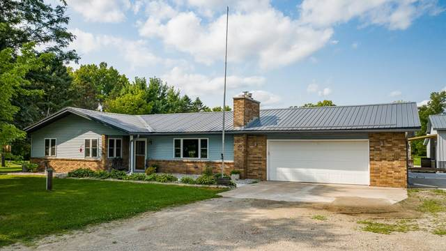 W7768 Hillview Road, Hortonville, WI 54944 (#50246818) :: Symes Realty, LLC