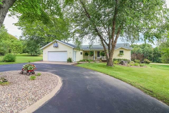 N3523 Stonefield Court, Waupaca, WI 54981 (#50246919) :: Todd Wiese Homeselling System, Inc.