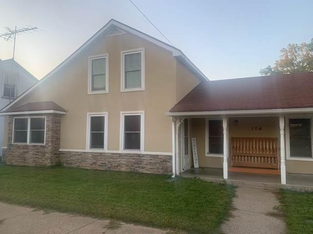 104 E Wisconsin Street, Weyauwega, WI 54983 (#50247513) :: Symes Realty, LLC