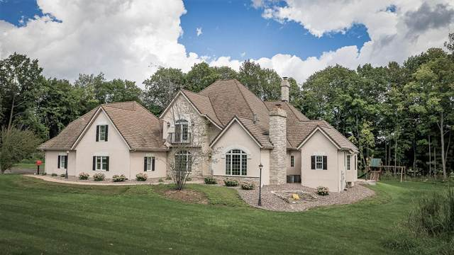 3030 Windfield Drive, Neenah, WI 54956 (#50247708) :: Town & Country Real Estate