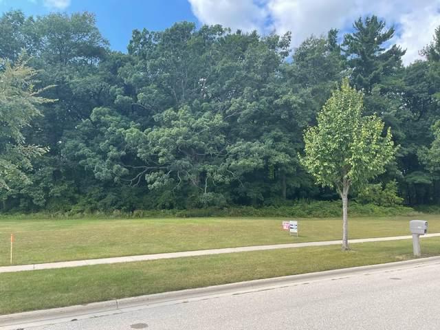 Stordeur Drive, Green Bay, WI 54313 (#50247731) :: Symes Realty, LLC