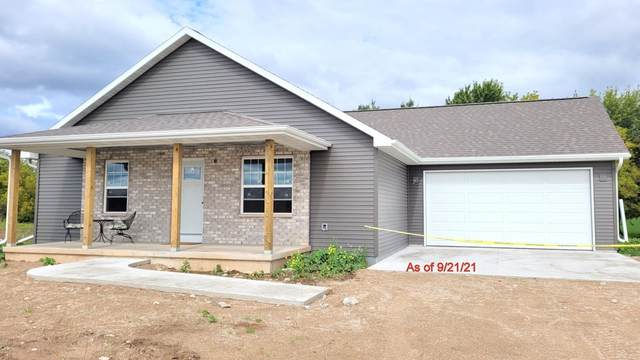 922 Thorn Creek Drive, Hilbert, WI 54129 (#50247874) :: Todd Wiese Homeselling System, Inc.