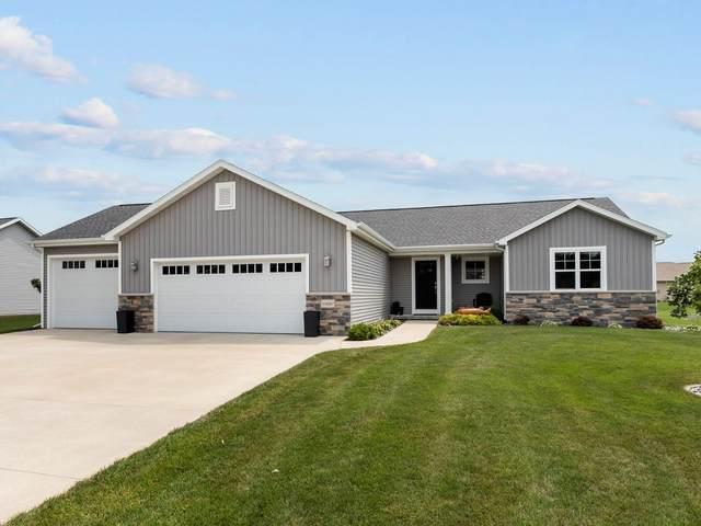 N8087 Deere Drive, Sherwood, WI 54169 (#50248002) :: Todd Wiese Homeselling System, Inc.