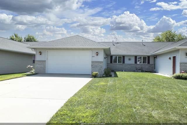 5453 W Brookview Drive, Appleton, WI 54913 (#50248270) :: Ben Bartolazzi Real Estate Inc