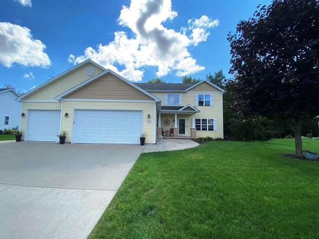 2011 Hidden Creek Road, Neenah, WI 54956 (#50248358) :: Ben Bartolazzi Real Estate Inc