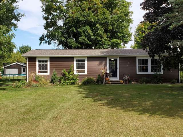 N3567 Hwy W, New London, WI 54961 (#50248420) :: Todd Wiese Homeselling System, Inc.