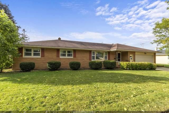 1221 E Pershing Street, Appleton, WI 54911 (#50248458) :: Carolyn Stark Real Estate Team