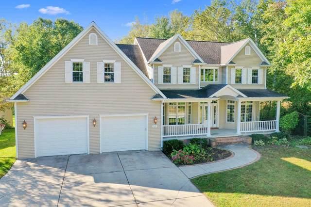 3119 Lepak Lane, Green Bay, WI 54313 (#50248839) :: Todd Wiese Homeselling System, Inc.
