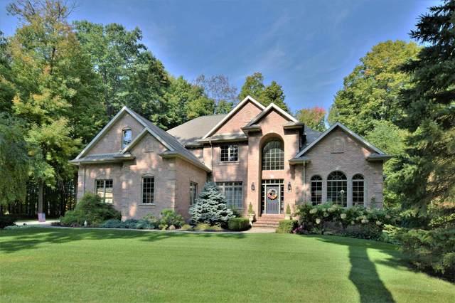 3021 River Forest Hills Drive, Pulaski, WI 54162 (#50249059) :: Carolyn Stark Real Estate Team