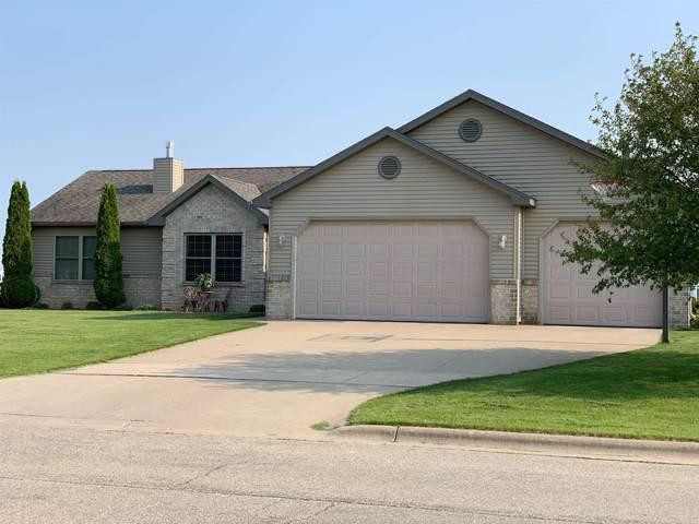 462 Falcon Drive, Pulaski, WI 54162 (#50249211) :: Carolyn Stark Real Estate Team