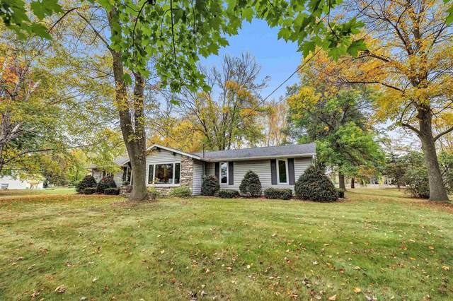 1360 Longtail Beach Road, Suamico, WI 54173 (#50249470) :: Town & Country Real Estate